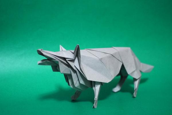 折り紙 オオカミ
