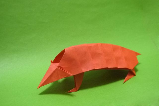 折り紙 アルマジロ