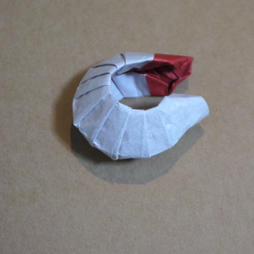 折り紙 カブトムシ幼虫