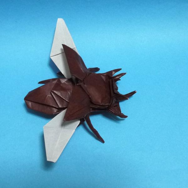 折り紙 飛ぶゴホンツノカブトムシ