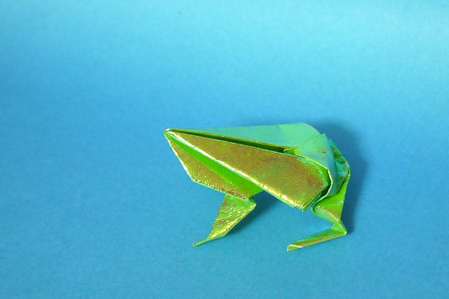 折り紙 jumping-frog