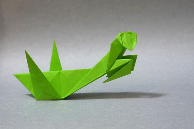 折り紙 カマキリ