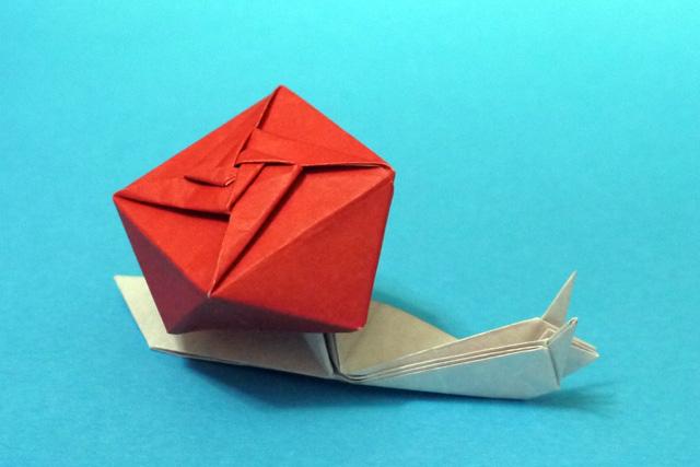 折り紙 カタツムリ