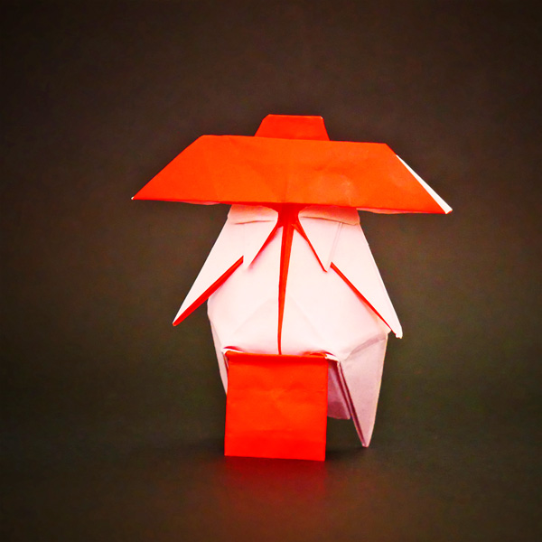 折り紙のオシラサマ