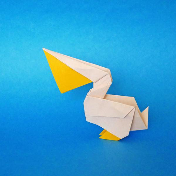 折り紙のペリカン