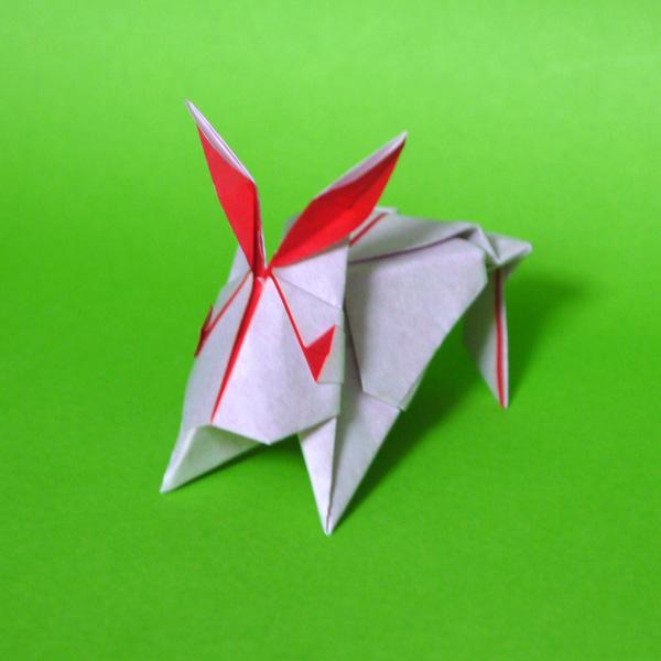 折り紙 ぴょんぴょんうさぎ