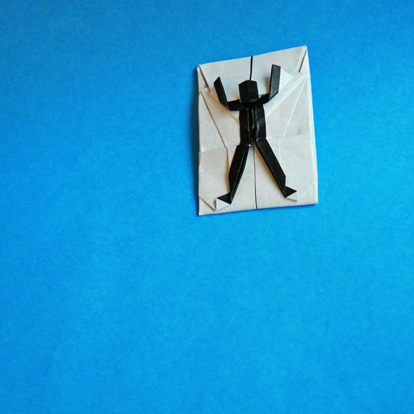 折り紙の白影